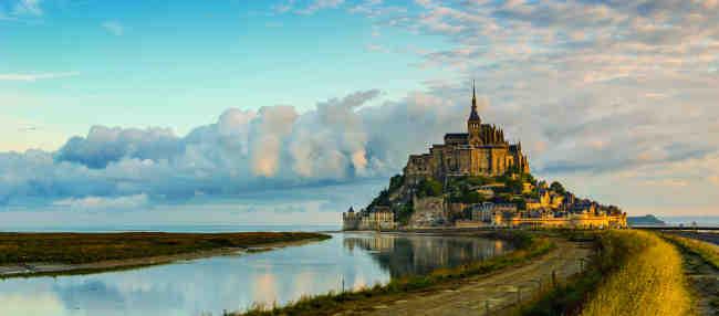 ¡Aniversario del nacimiento del boletín Camembert de Francia!