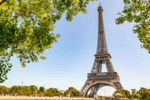 ¡Que tengas un buen fin de semana desde la Francia loca por el Tour de Francia!