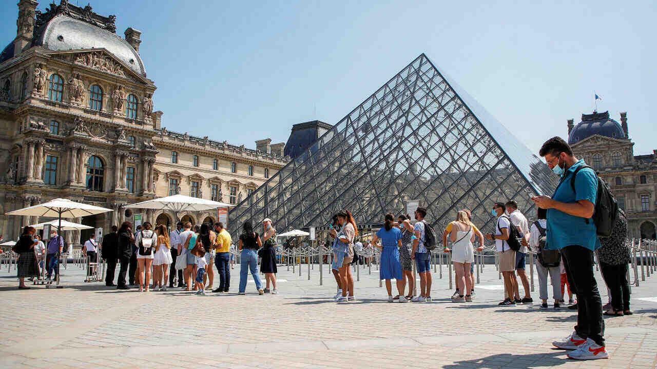 Entra en vigor el pase sanitario de Covid-19 para acceder a los espacios culturales de Francia
