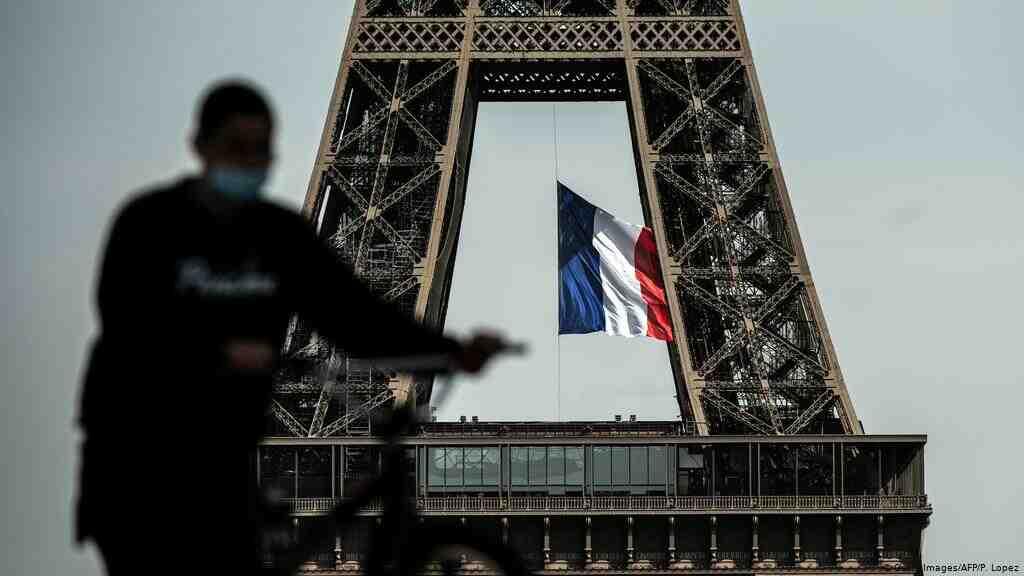 Francia camina hacia la normalidad y reabre bares y restaurantes