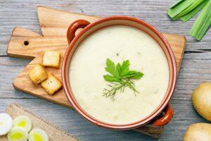 Crema de puerros, una opción perfecta para disfrutar en la comida
